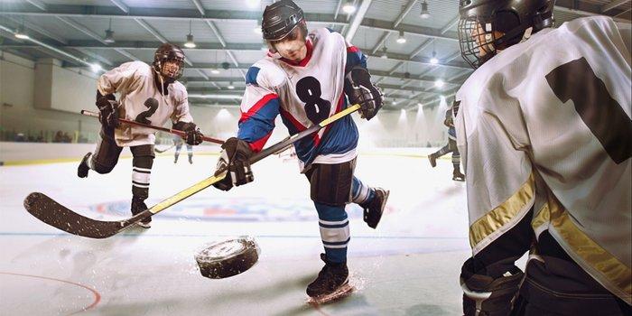 20160113181656-hockey-player-shooting-a-goal